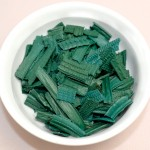 Divine Organics Spirulina chippings, Inka Spirulina