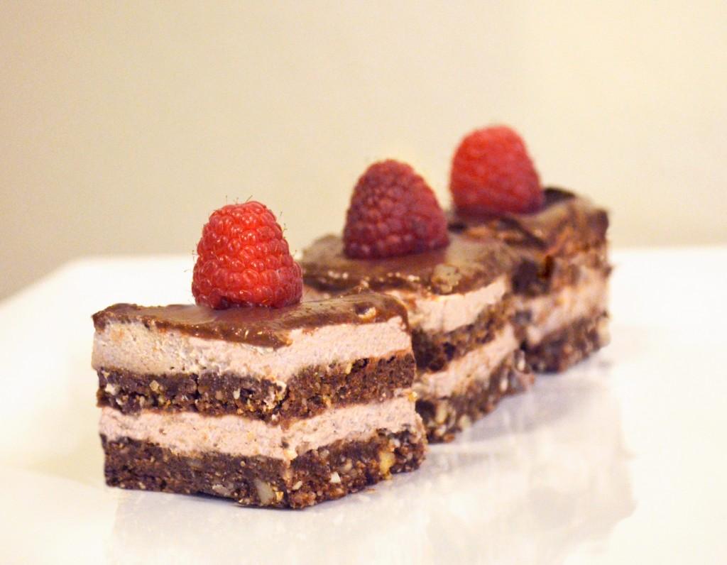chocolate-raspberry-cake-sharing