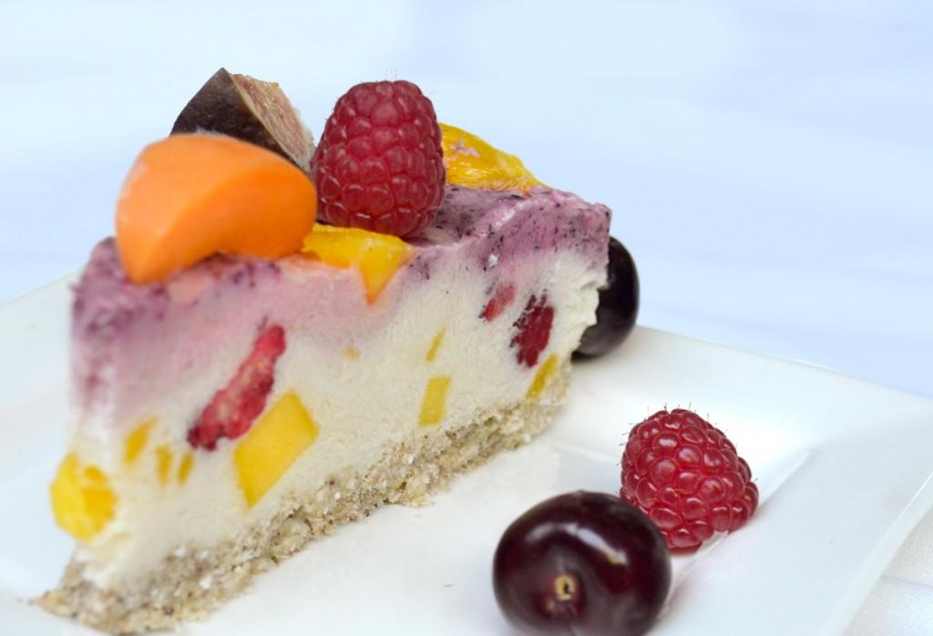 summer-solstice-cake-slice